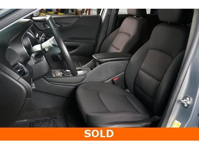2018 Chevrolet Malibu 4D Sedan - 504268 - Image 18