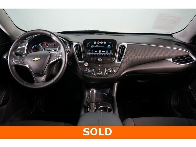2018 Chevrolet Malibu 4D Sedan - 504268 - Image 30