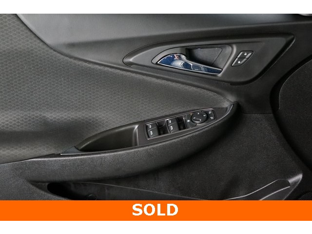 2018 Chevrolet Malibu 4D Sedan - 504268 - Image 17