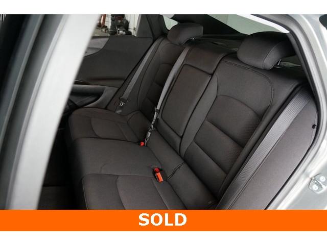 2018 Chevrolet Malibu 4D Sedan - 504268 - Image 24