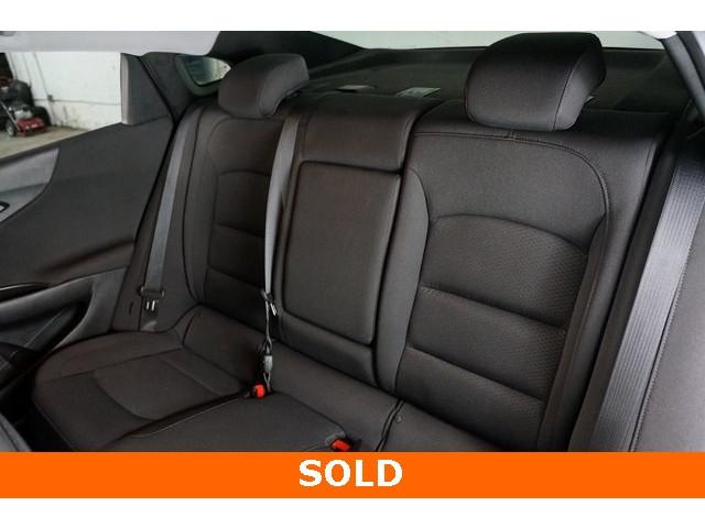 2018 Chevrolet Malibu 4D Sedan - 504268 - Image 25