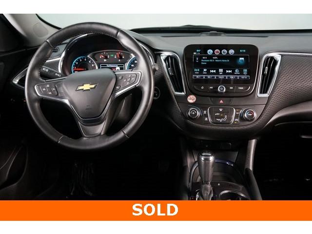 2018 Chevrolet Malibu 4D Sedan - 504268 - Image 31