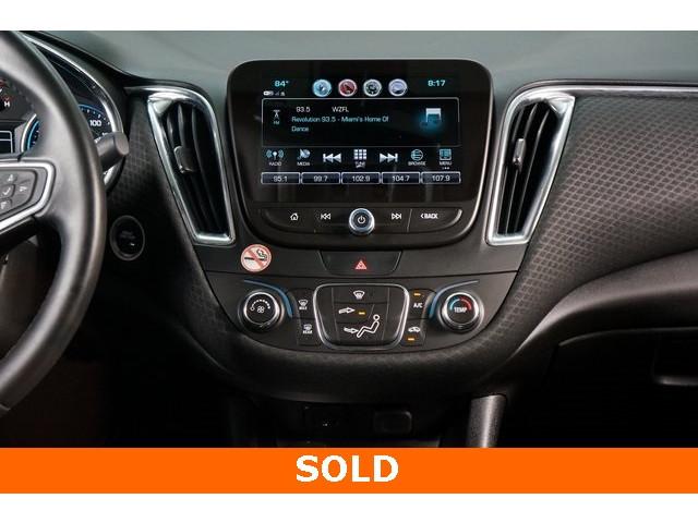 2018 Chevrolet Malibu 4D Sedan - 504268 - Image 32