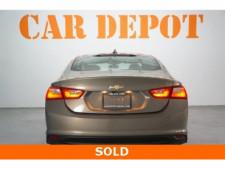 2018 Chevrolet Malibu 4D Sedan - 504268 - Thumbnail 6