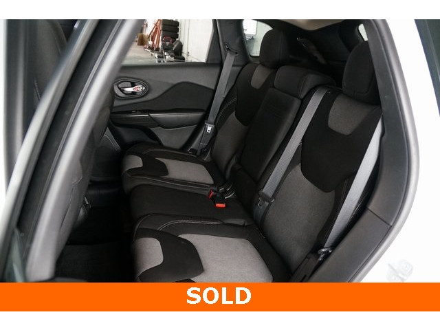 2014 Jeep Cherokee 4D Sport Utility - 503096 - Image 20