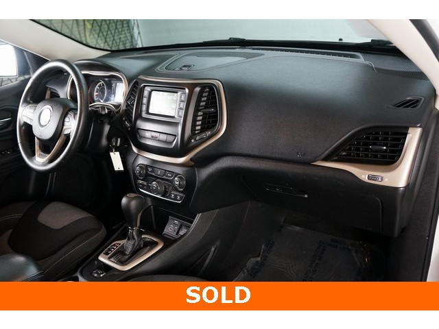 2014 Jeep Cherokee 4D Sport Utility - 503096 - Image 24