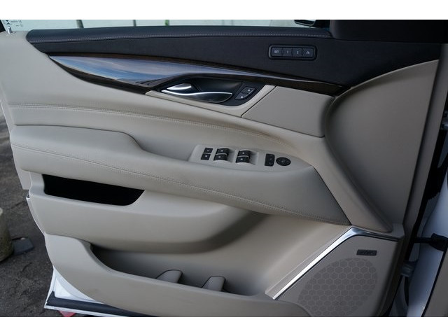 2018 Cadillac Escalade 4D Sport Utility - 504732T - Image 15