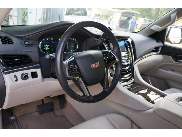 2018 Cadillac Escalade 4D Sport Utility - 504732T - Image 18