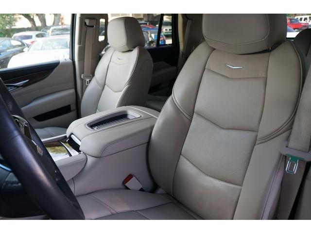 2018 Cadillac Escalade 4D Sport Utility - 504732T - Image 20