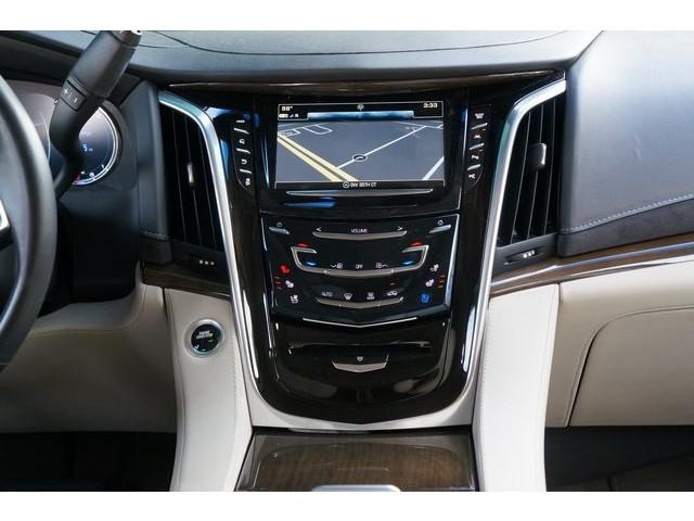2018 Cadillac Escalade 4D Sport Utility - 504732T - Image 32