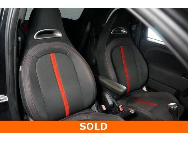 2013 Fiat 500 2D Hatchback - 504301 - Image 25