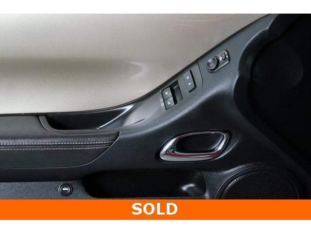 2015 Chevrolet Camaro 2LT 2D Coupe - 504282 - Image 17