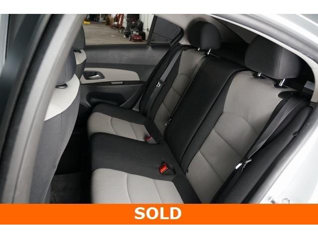 2015 Chevrolet Cruze 4D Sedan - 504285 - Image 19