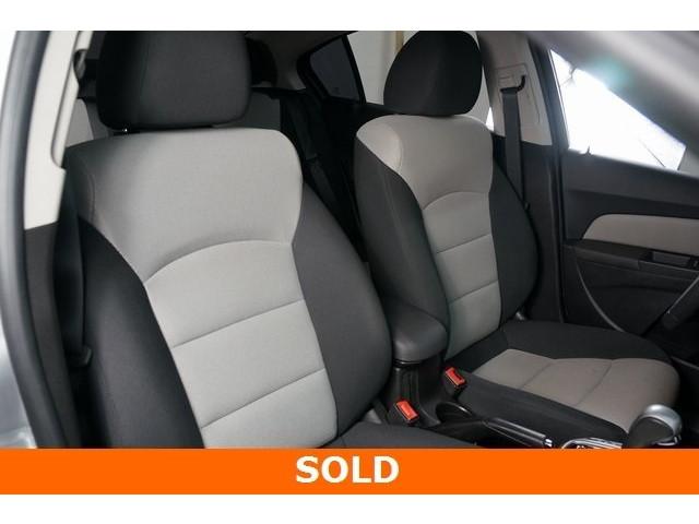2015 Chevrolet Cruze 4D Sedan - 504285 - Image 25