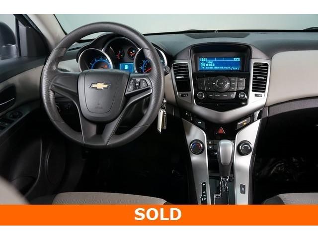 2015 Chevrolet Cruze 4D Sedan - 504285 - Image 28