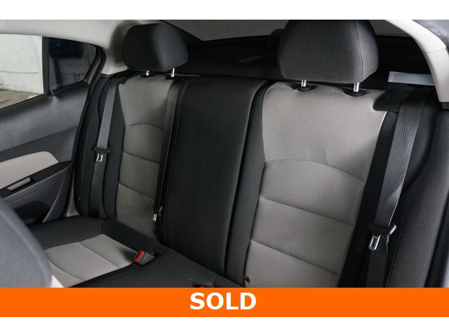 2015 Chevrolet Cruze 4D Sedan - 504285 - Image 20