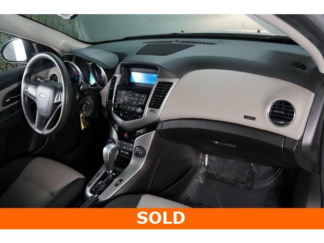 2015 Chevrolet Cruze 4D Sedan - 504285 - Image 24