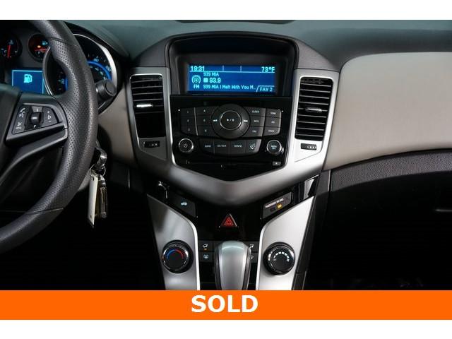 2015 Chevrolet Cruze 4D Sedan - 504285 - Image 29