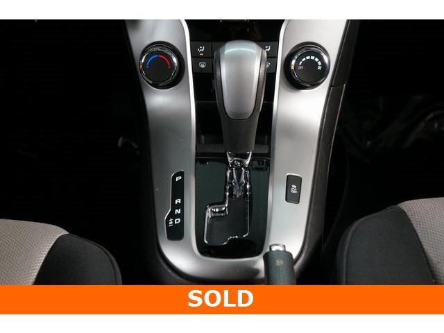 2015 Chevrolet Cruze 4D Sedan - 504285 - Image 33
