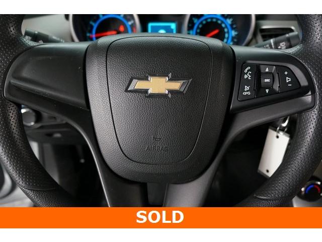 2015 Chevrolet Cruze 4D Sedan - 504285 - Image 34