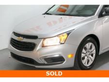 2015 Chevrolet Cruze 4D Sedan - 504285 - Thumbnail 6