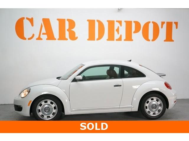 2015 Volkswagen Beetle 2D Hatchback - 504293 - Image 4