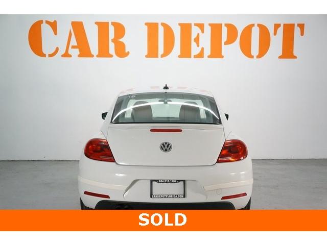 2015 Volkswagen Beetle 2D Hatchback - 504293 - Image 6