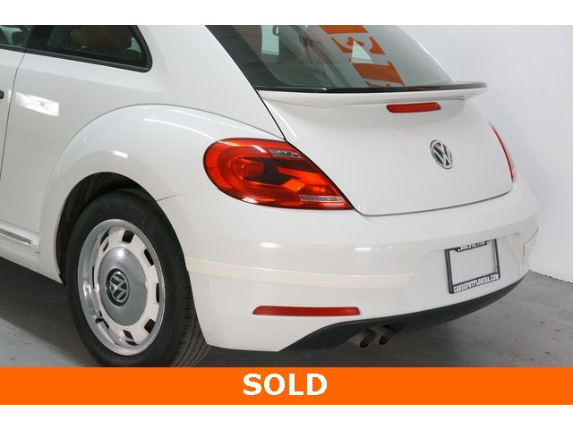 2015 Volkswagen Beetle 2D Hatchback - 504293 - Image 11
