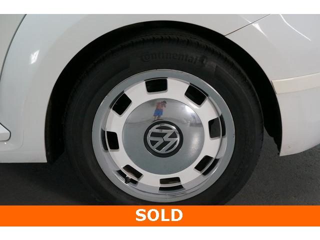 2015 Volkswagen Beetle 2D Hatchback - 504293 - Image 13