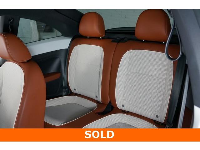 2015 Volkswagen Beetle 2D Hatchback - 504293 - Image 23