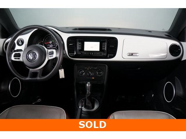 2015 Volkswagen Beetle 2D Hatchback - 504293 - Image 29
