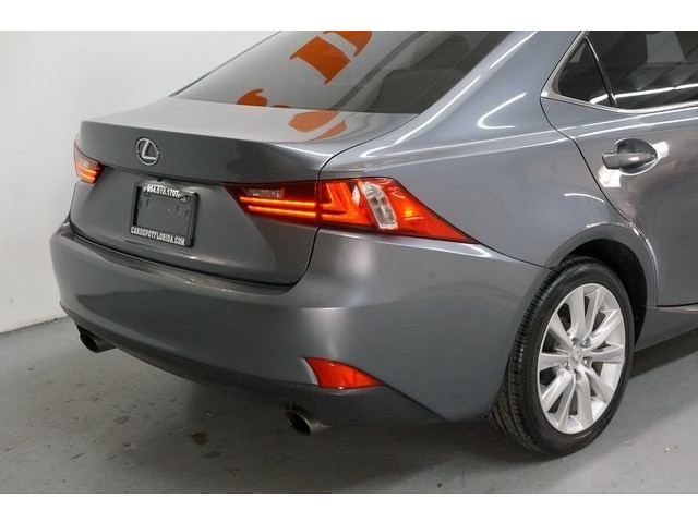 2015 Lexus IS 4D Sedan - 504374 - Image 12