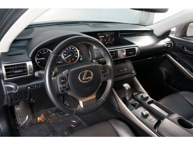 2015 Lexus IS 4D Sedan - 504374 - Image 18