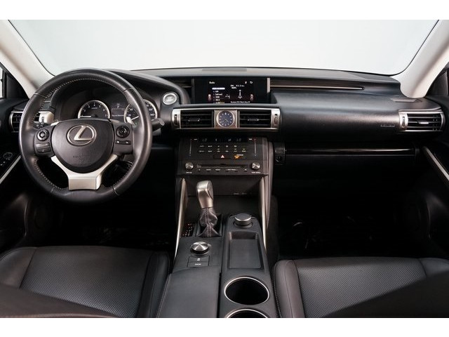2015 Lexus IS 4D Sedan - 504374 - Image 30