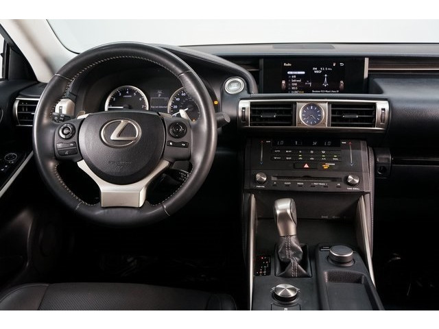 2015 Lexus IS 4D Sedan - 504374 - Image 31