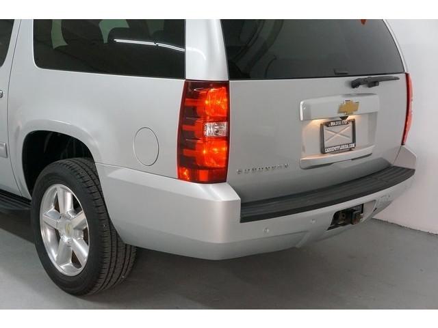 2014 Chevrolet Suburban 1500 4D Sport Utility - 504401 - Image 11