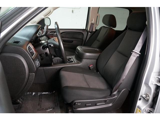 2014 Chevrolet Suburban 1500 4D Sport Utility - 504401 - Image 19