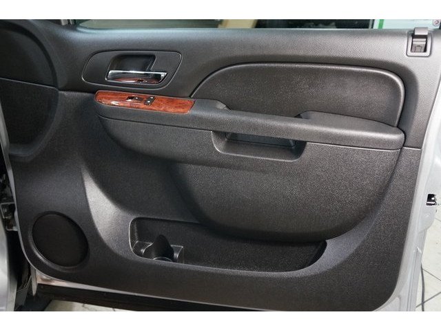 2014 Chevrolet Suburban 1500 4D Sport Utility - 504401 - Image 27
