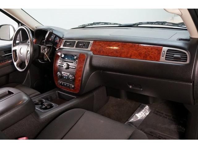 2014 Chevrolet Suburban 1500 4D Sport Utility - 504401 - Image 28