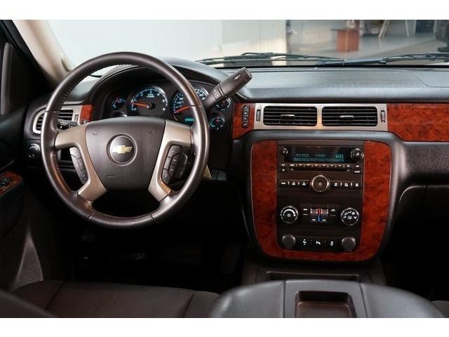 2014 Chevrolet Suburban 1500 4D Sport Utility - 504401 - Image 32