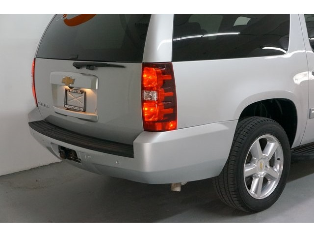 2014 Chevrolet Suburban 1500 4D Sport Utility - 504401 - Image 12