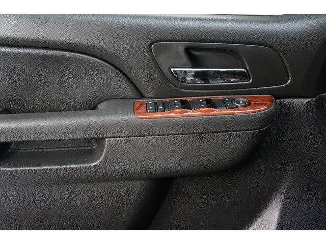 2014 Chevrolet Suburban 1500 4D Sport Utility - 504401 - Image 17