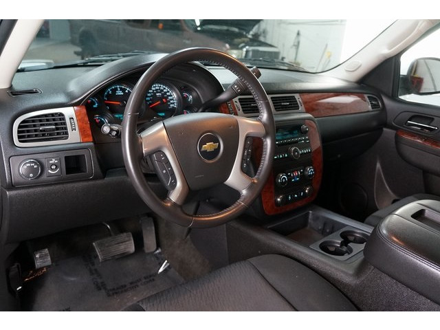 2014 Chevrolet Suburban 1500 4D Sport Utility - 504401 - Image 18