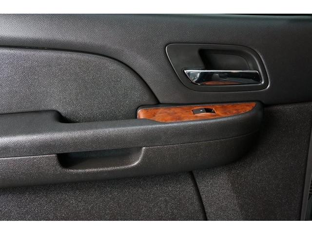 2014 Chevrolet Suburban 1500 4D Sport Utility - 504401 - Image 23