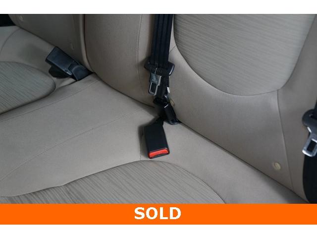 2016 Hyundai Accent 4D Sedan - 504398 - Image 25
