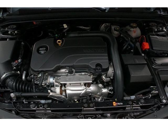 2018 Chevrolet Malibu 4D Sedan - 504415 - Image 14