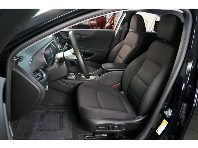 2018 Chevrolet Malibu 4D Sedan - 504415 - Image 19