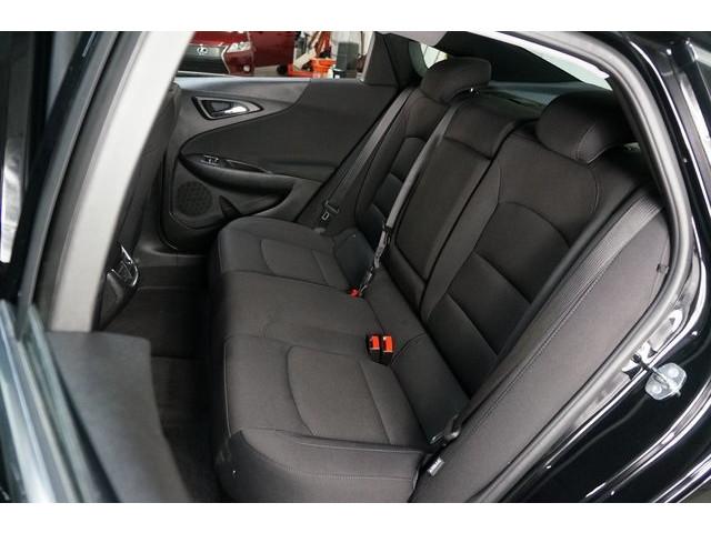 2018 Chevrolet Malibu 4D Sedan - 504415 - Image 25