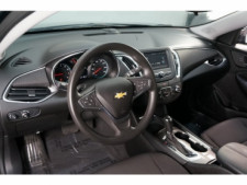 2018 Chevrolet Malibu 4D Sedan - 504415 - Thumbnail 18