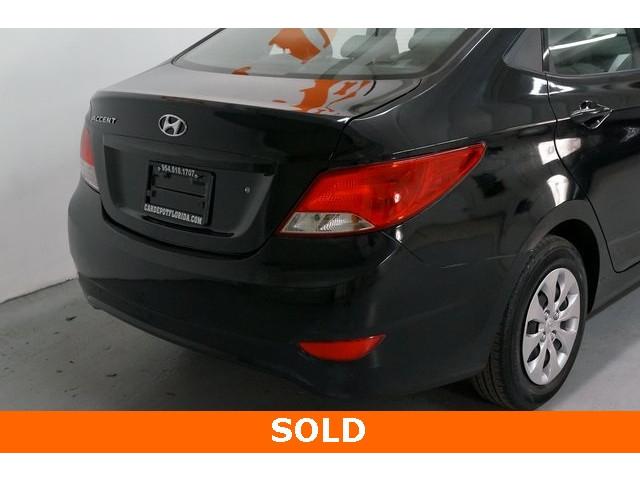 2017 Hyundai Accent 4D Sedan - 504438 - Image 12